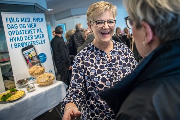 Inger Toft kunne med smil og masser af gæster fejre 40 års jubilæum hos NORDJYSKE Medier i går.Foto: Martin Damgård