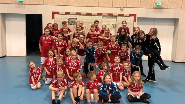 Fælles billede: Micro, U10, U12 og trænerne Foto: Privat