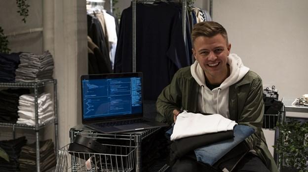 24-årige Benjamin Philip åbner nu en fysisk udgave af Teeshoppen i Danmarksgade. Foto: Labelless Media