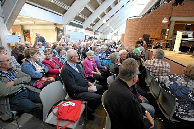 Der var stor tilslutning til stævnet, der også bød på en vendelbokoncert med Ib Grønbech. Foto: Jørgen Ingvardsen Jørgen Ingvardsen