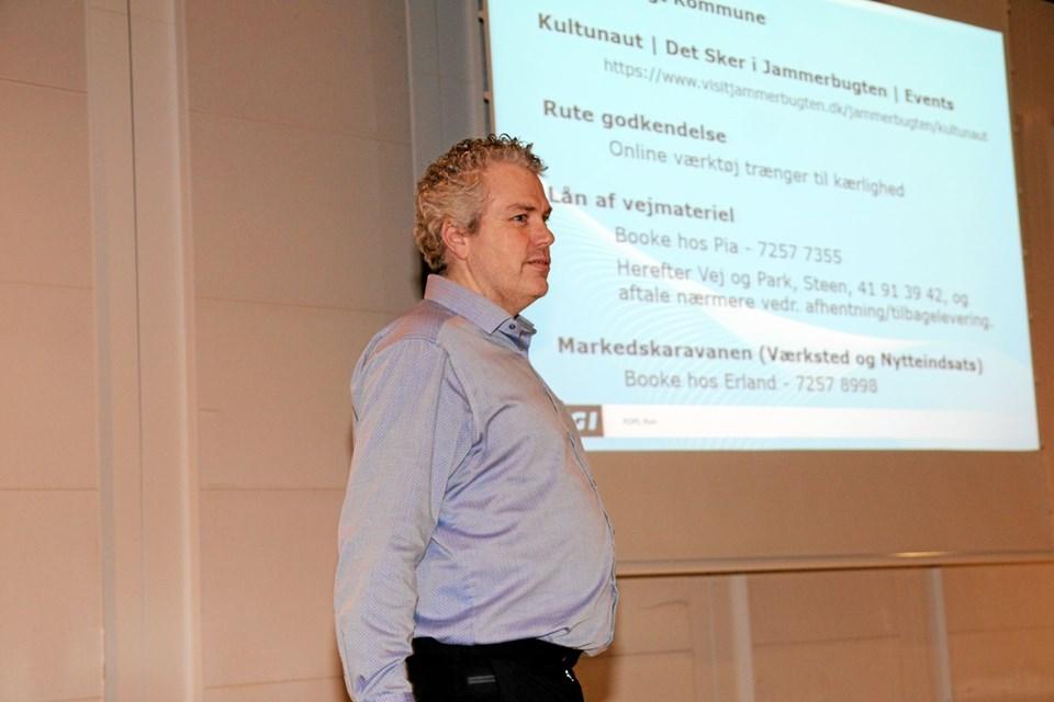 Karsten Sørensen fra ROLF RUN i Aabybro fortalte om det praktiske der skal laves og være i orden, når man afholde et arrangement. Foto: Flemming Dahl Jensen