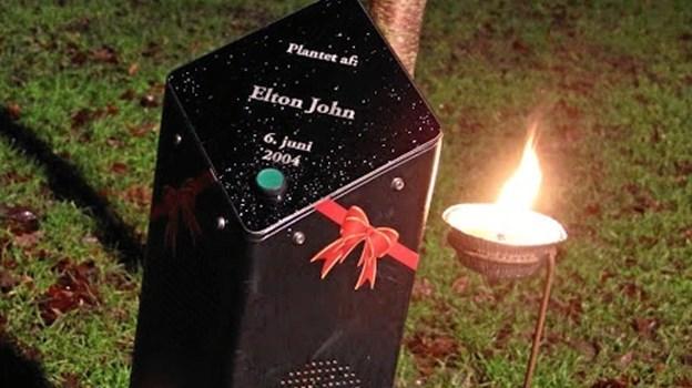 Elton John er blandt de kunstnere, der spreder julestemning i Kildeparken. Arkivfoto