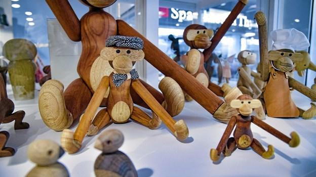 En stor afdeling af dansk design, blandt andet Kay Bojesen aber. Ole Iversen