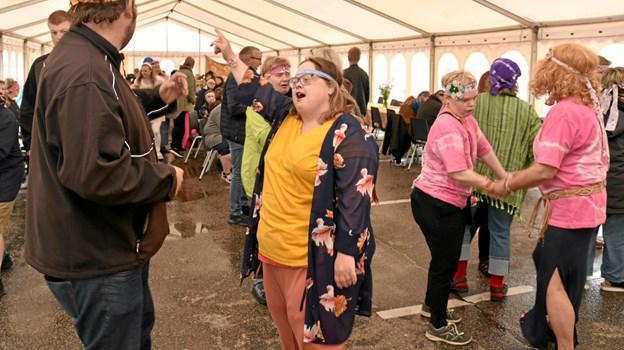 Der blev danset og sunget dagen lang til den store sommerfest på Georg Jensens Vej. Foto: Niels Helver Niels Helver