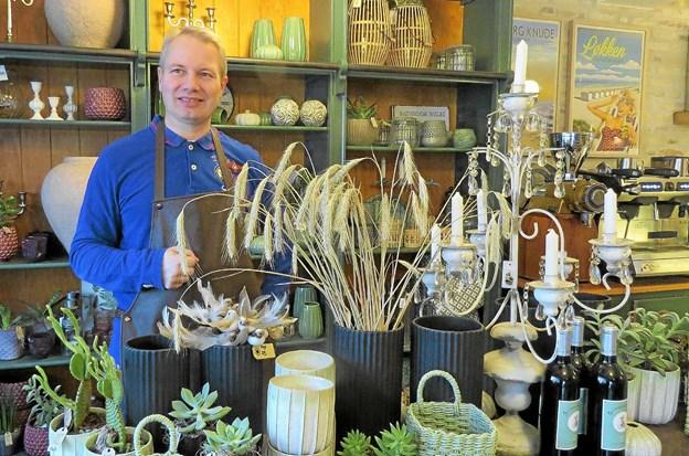 Ole Madsen arrangerer blomsterbindingskursus i samarbejde med Pottehaven. Foto: Kirsten Olsen