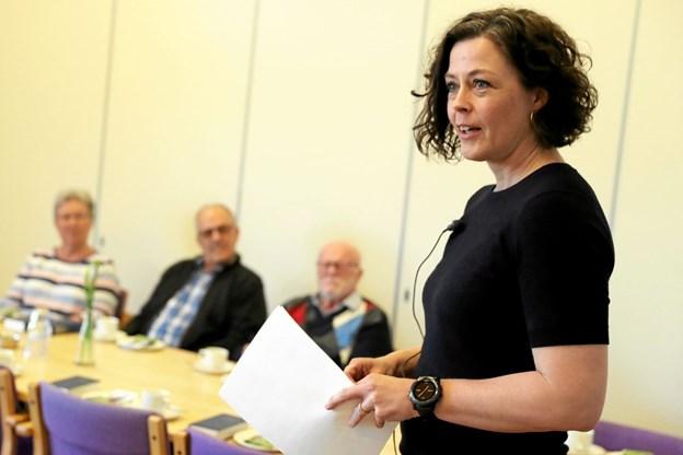 Birgitte Jakobsen fortalte om tilværelsen som kvindelig betjent i en mandsdomineret verden. Foto: Allan Mortensen