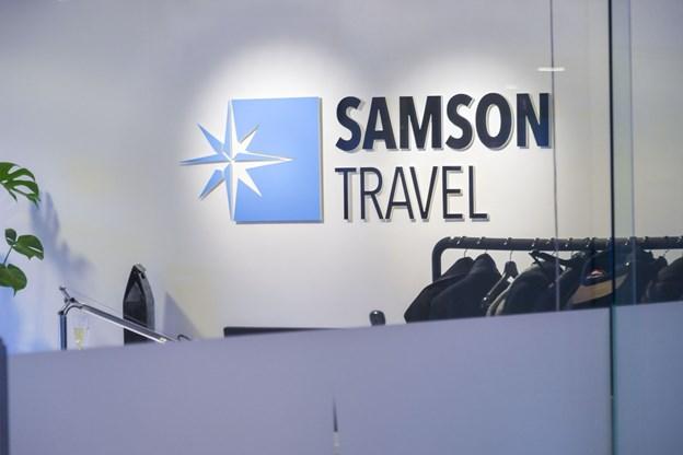 Paradiskajen er frem til Fredag Samson Travel nabo. På fredag flytter virksomheden til Kattegatsiloen få hundrede meter derfra.