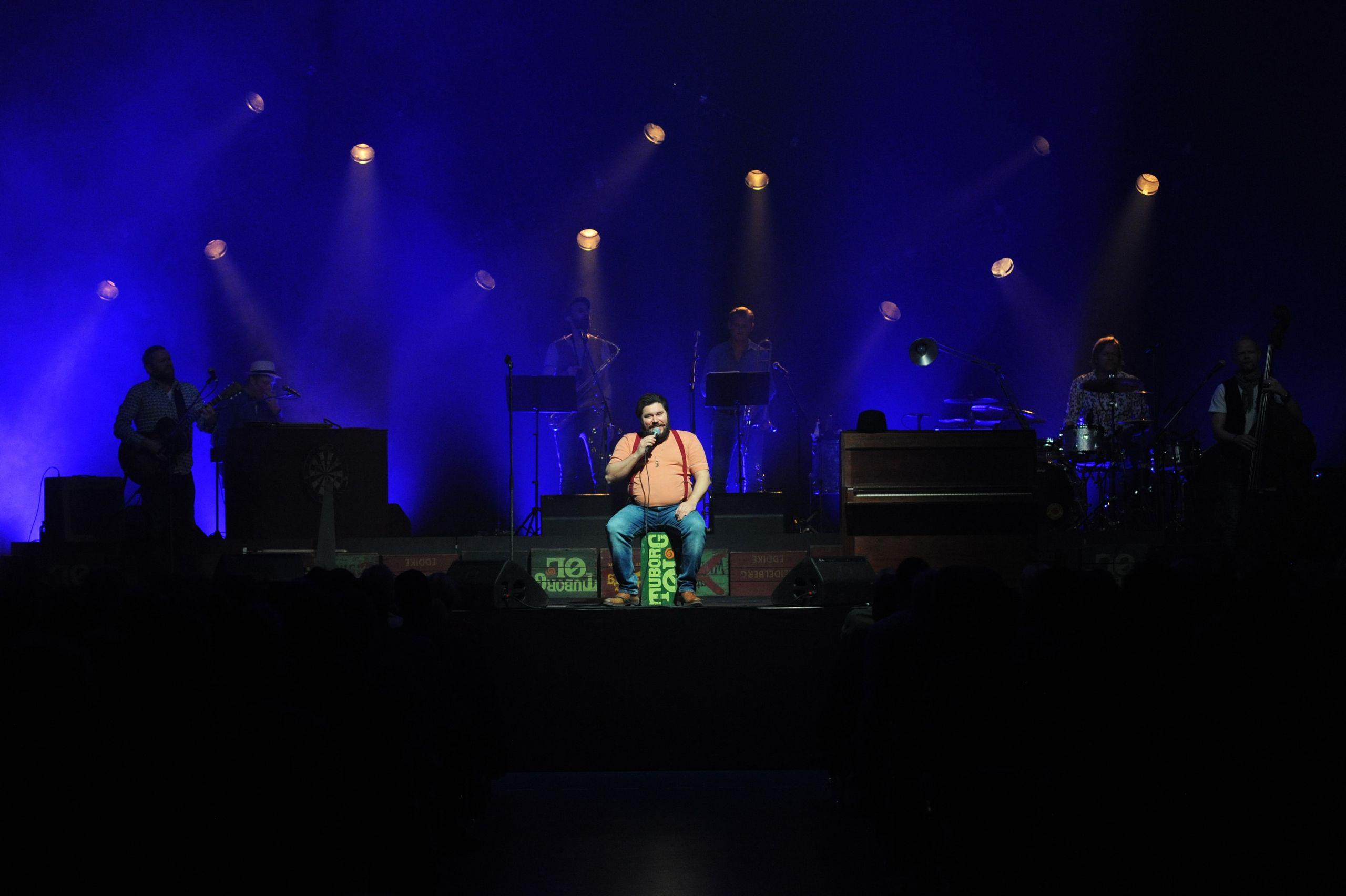 Rasmus Bjerg slutter Day & Night af med at give den som John Mogensen. Foto: Aalborg City/Joan Barløse