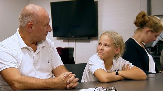 På mandag, 25. marts, tager DR2 hul på en dokumentarserie om Aalborg-projektet Skyggebørn, men en teaser for dokumentaren, som følger fire børn og sorgterapeut Jes Dige er allerede gået viralt. Foto: DR/B-Film