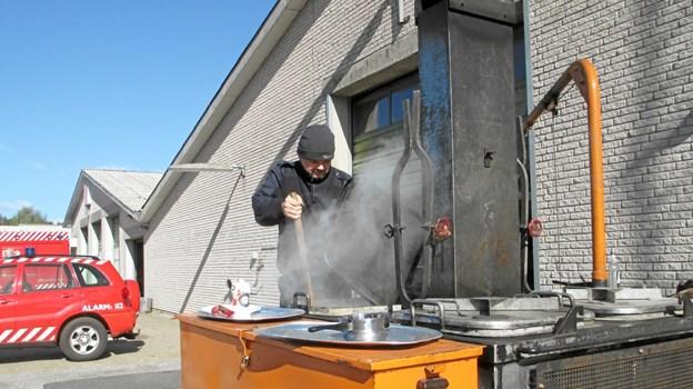 Vildmarkssuppen blev tilberedt på Beredskabets store køkkenvogn. Foto: Privat.