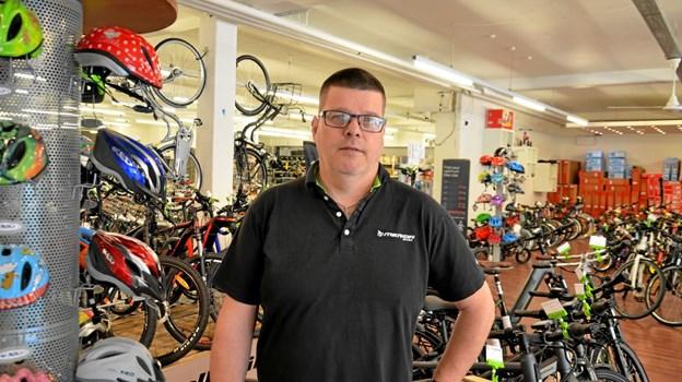 Jens Peter Hansen kan fejre 20 års jubilæum med egen cykelbutik i Hobro. Foto: Jesper Bøss