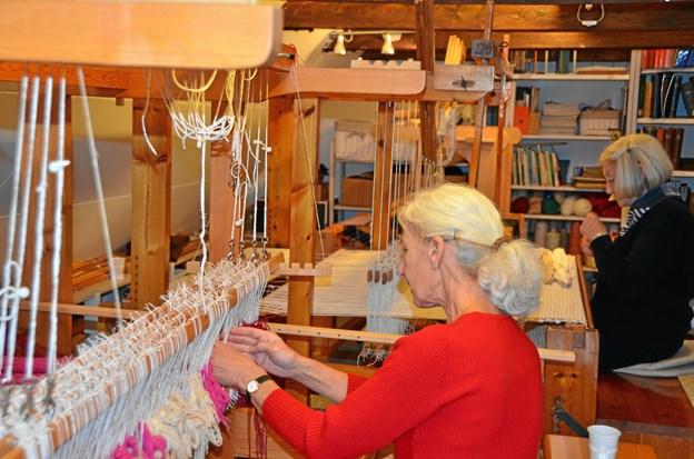 Vævene bliver flittig brugt i Håndværkernes hus.