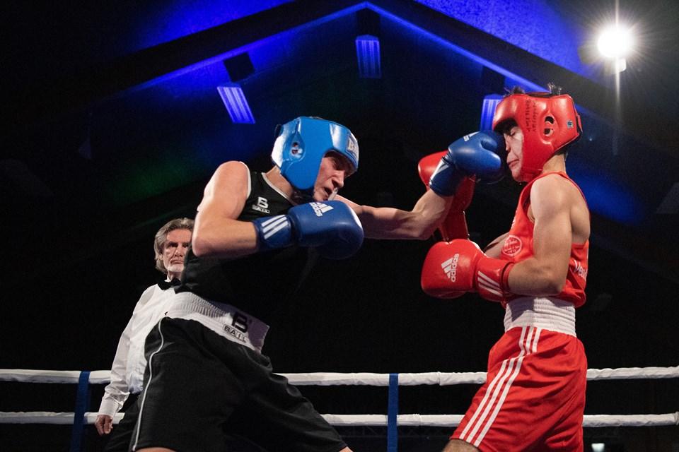 I tredje kamp mødte Ahmad Arrag fra Brønderslev Bokseklub tjekkiske Michal Hamouz.Foto: Hans Ravn HANS RAVN