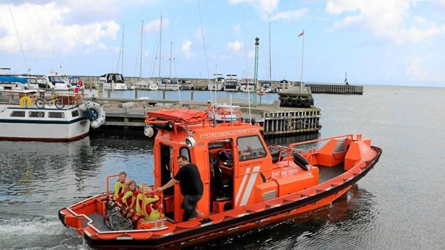 Med Chr. Isaksen som kaptajn fik de unge - måske kommende rednings M/K-ere lejlighed til en tur i redningsbåden. Foto: Tommy Thomsen Tommy Thomsen
