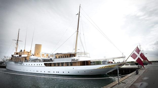 """Fra 11. april til 3. maj, hvor Dronningen træder om bord, er Kongeskibet """"Dannebrog"""" sejlende forskole for de værnepligtige, som skal sejle med de kongelige i 2019. Arkivfoto: Kim Dahl Hansen"""