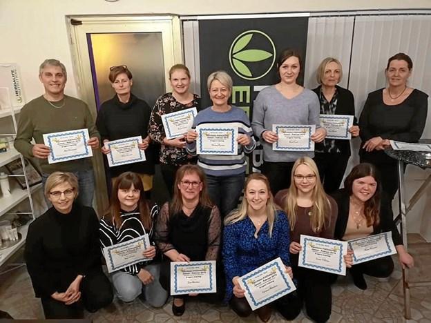 Deltagerne til Fjerritslev Fitchallenge kunne stolt vise deres diplomer frem. Privatfoto
