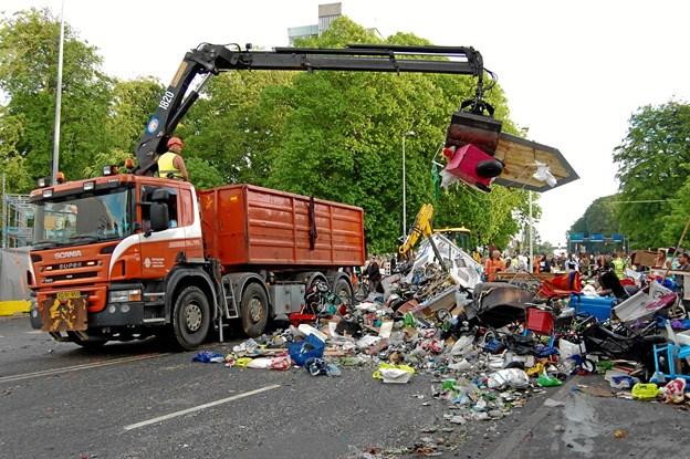 Karnevalet vil gerne være mere bæredygtigt, derfor er det vigtigt at brugbare dele kan tages fra. Foto: Aalborg Karneval