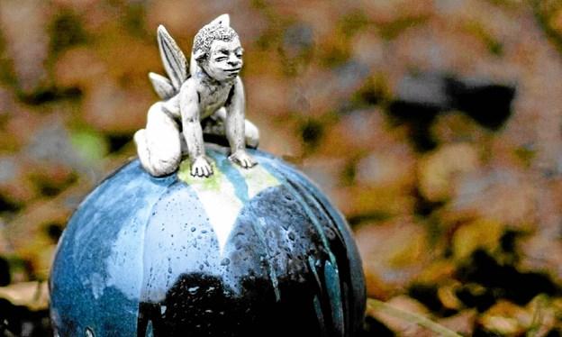 På sæsonens anden udstilling i Galleri Hou kan man se keramik som dette af Pernille Jensen. PR-foto