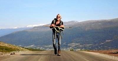 Helge Rude Kristensen gik i alt 3500 kilometer fra Nordkap til Give for at opfylde sit væddemål med naboen i Give. Privatfoto