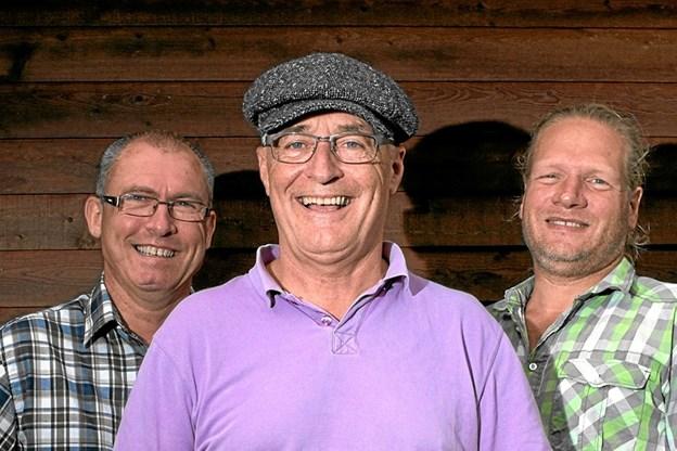 Lars Jakobsen Trio giver en humørfyldt koncert i Østerild den 25. april. Privatfoto