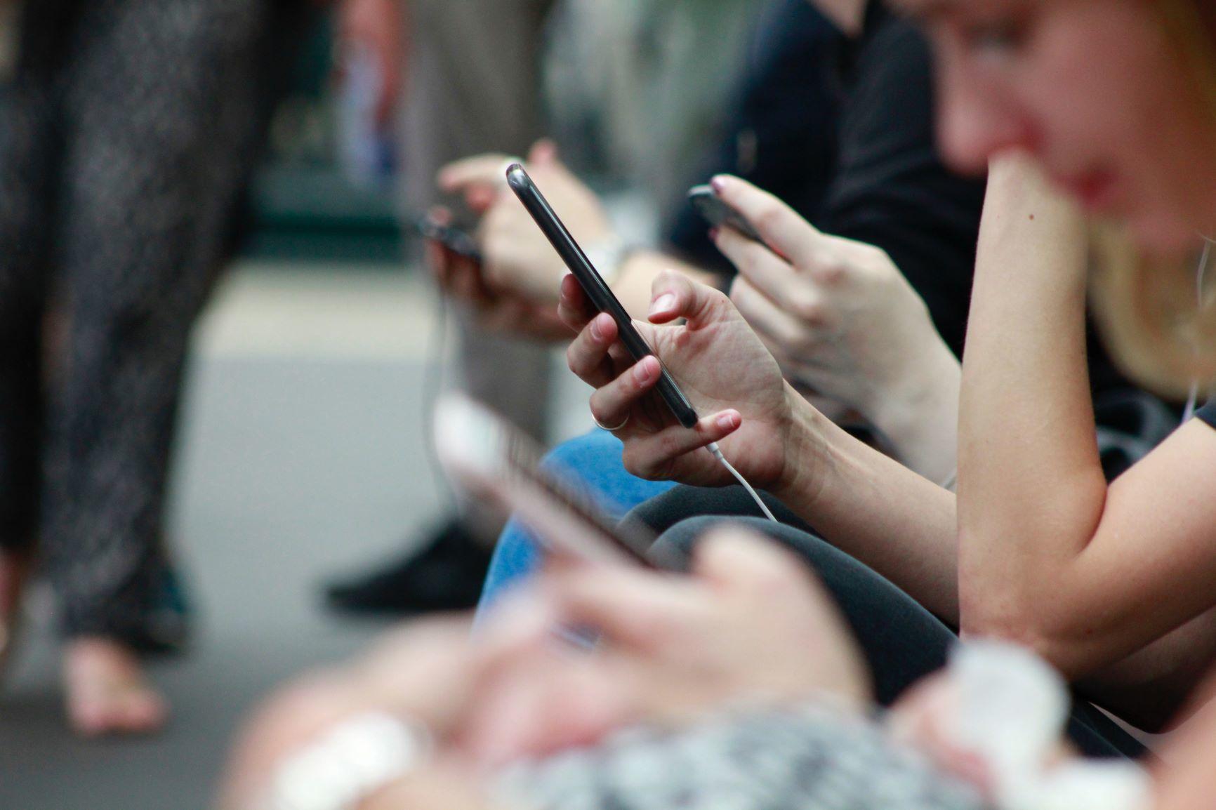 Spar penge på familiens mobilabonnement