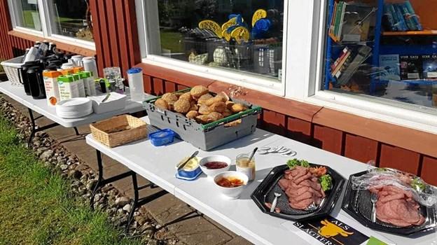 Her onsdag i juli er der gratis morgenmad til både lokale og gæster i Øster Hurup. Privatfoto