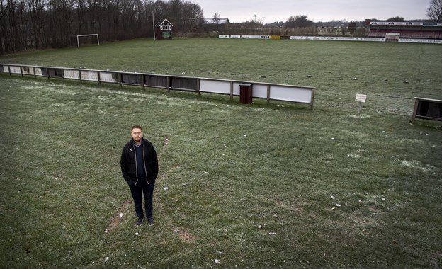 Daniel flyttede i år tilbage til Brønderslev. Det var derfor oplagt at blive formand i den klub, han selv spillede ungdomsfodbold i. Foto: Laura Guldhammer