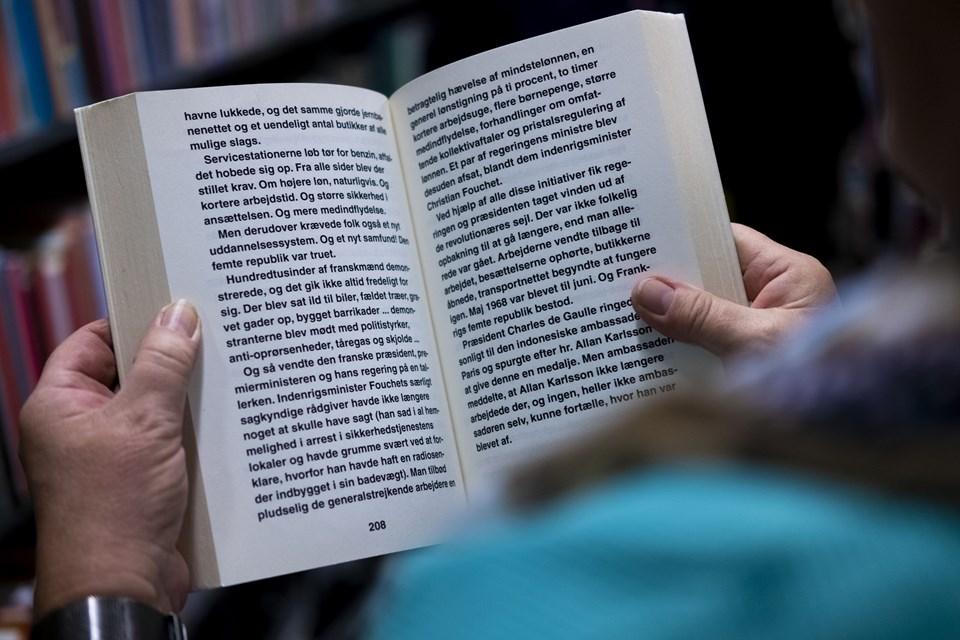 Selv om du både kan finde lp'er, cd'er og af og til også spil - så er det fortsat bøger, der er flest af, når biblioteket sælger ud af deres overskud. Arkivfoto: Lasse Sand