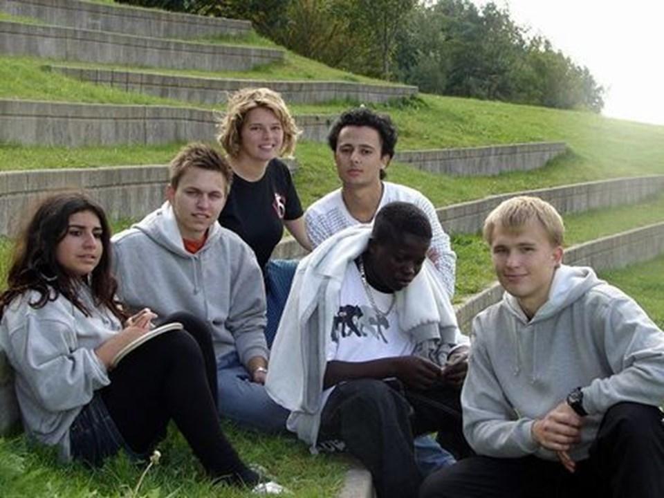 Break Free-teamet samlet. Susanne Atrach, Parwiz Yasin og Muhammed Mampauya i selskab med Kim Nielsen, Lisbeth Simonsen og Morten Jensen. Privatfoto
