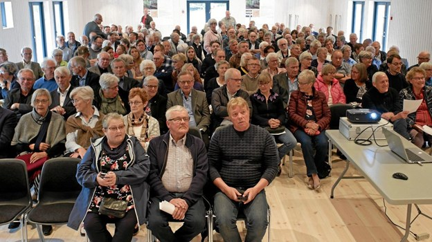 Der var fuldt hus i Stakladen til Tolne Skov ApS ordinære generalforsamling. 250 ud af 300 inviteret deltog i generalforsamlingen og den efterfølgende middag i Skovpavillonen. Foto: Niels Helver Niels Helver