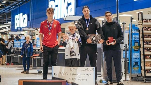 Det er ikke usædvanligt, at Anders Vejrgang er et par hoveder mindre, end de spillere han vinder over.Foto: sports-gaming.dk