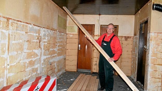 Sådan ser bodegaen ud lige nu, hvor Ole Frederiksen og andre håndværkere er ved at give den en overhaling indvendigt. Foto: Jesper Bøss Jesper Bøss