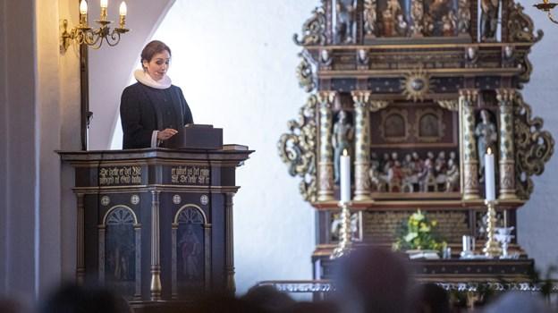 Der var indsættelse søndag - mandag havde Helle Bundgaard Laursen formelt set første arbejdsdag i en uge, hvor der traditionelt er nok at rive i, når man er præst. Foto Kim Dahl Hansen.