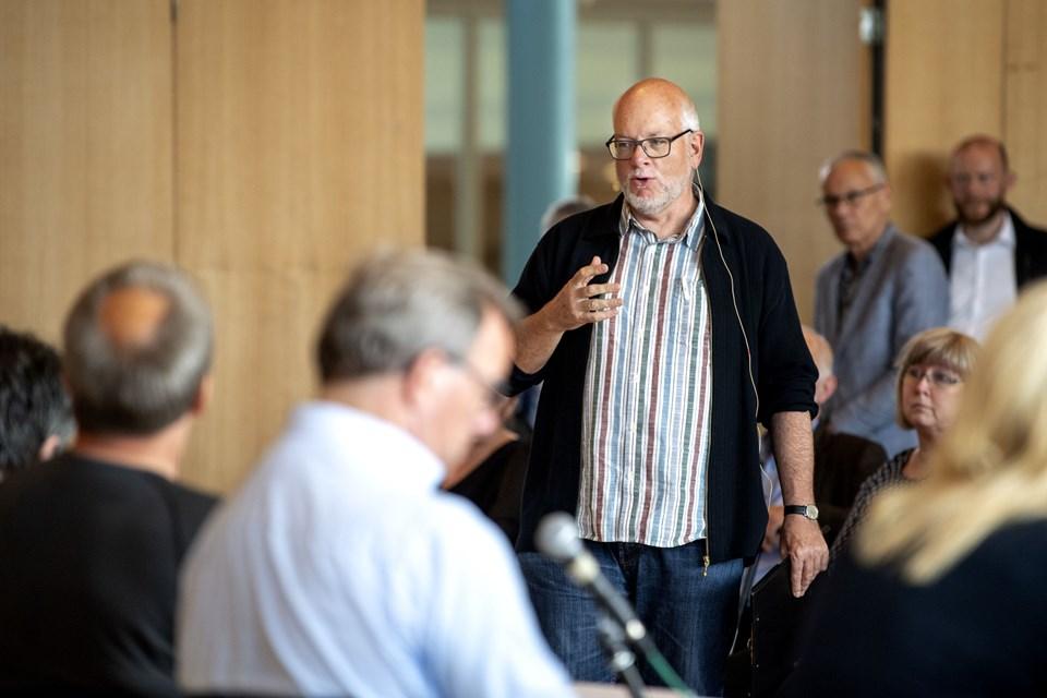 Søren Wormslev kommer her med sit bud på det nu overståede valg til Folketinget. Foto: Laura Guldhammer