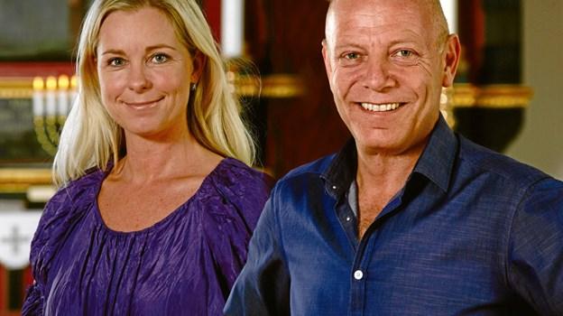 Tina Siel akkompagneres af pianist Knud-Erik Thrane.Privatfoto
