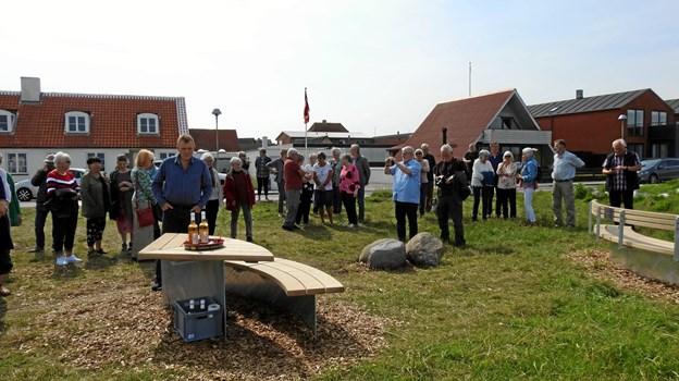 Der var mødt mange mennesker op til receptionen, i alt var der i løbet af dagen ca. 100. Foto: Jens Brændgaard