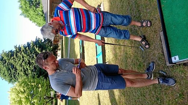 Lokalpolitikerne Jeppe Ugilt og Holger Pedersen spillede for en såkaldt 'for-9' i form af de 9 første huller. Privatfoto