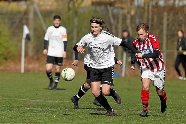 VHG/GS i hvide bluser vandt søndagens lokalopgør mod Ulsted med hele 4-0. Foto: Allan Mortensen