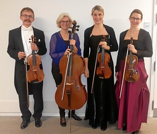 """I Tinghuset i Fjerritslev kan man opleve en strygekvartet med rod i Aalborg Symfoniorkester, som byder på et flot program med overskriften """"Øst-Vest, fra Jerntæppe til ungdomsfest"""". Privatfoto"""