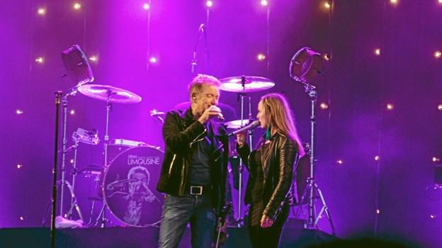 Lars Lilholt havde Malene Mailand med ved sin side når der skulle synges duet. Foto: Peter Jørgensen Peter Jørgensen