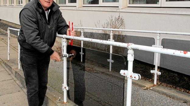 Henry Qouttrup fra Aabybro fandt noget til sommerhuset ved posthusets indgang.