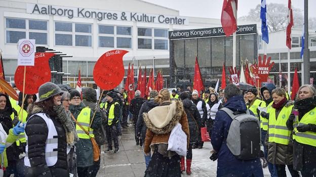 Det er efterhånden en tradition, at fagbevægelsen er på plads, når der er KL-topmøde her i byen. Arkivfoto: Michael Koch