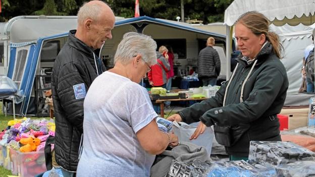 Så blev der lige lavet en handel. Foto: Hans B. Henriksen Hans B. Henriksen