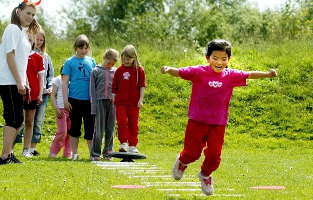 Pigeraketterne, som fyres af over alt i det nordjyske, byder på sjove stunder for deltagerne. Arkivfoto: Kurt Bering