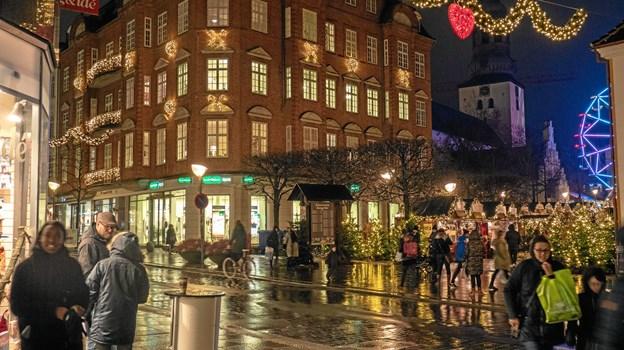 Ejendomsselskabet ejer også flere ejendomme langs Østerågade. Foto: Click Foto