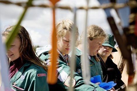 Pigern fra Frederikshavn tager opvasken.