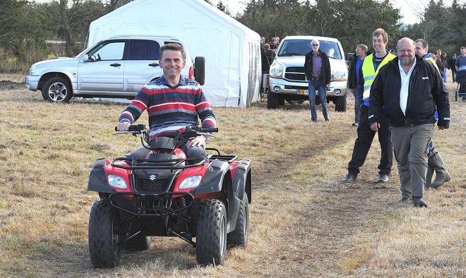 Martin Bojesen var glad for aktiviteten, og de mange, der kom og kikkede på pløjeaktiviteterne over hans 27 hektar jord Sårup. Foto: Ole Iversen