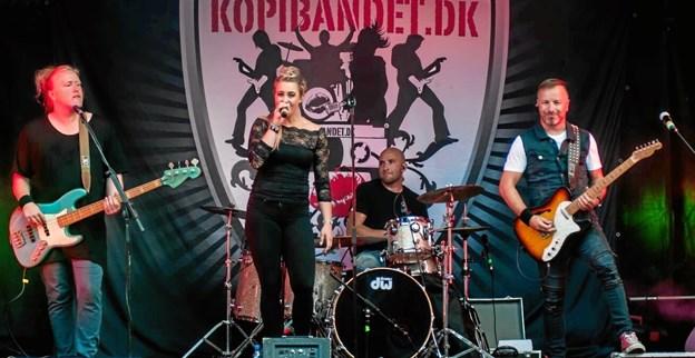 Som navnet afslører for den kvikke læser, spiller vi kopi-musik, da vi er et danseband og spiller musik i genren pop og rock. Foto: privat.