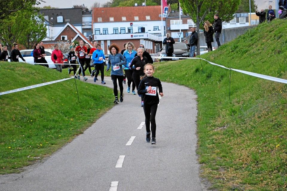 Aldersspredningen var stor blandt de 1500 kvindelige løbere i Hadsund. Privatfoto
