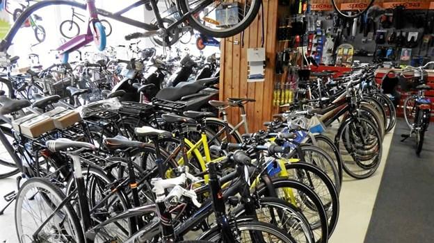 Mer end 800 cykler venter på lageret. Foto: Jens Brændgaard